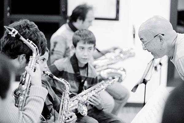 L'Escola de Música de Les Garrigues necessitaincorporar professor/a de saxo