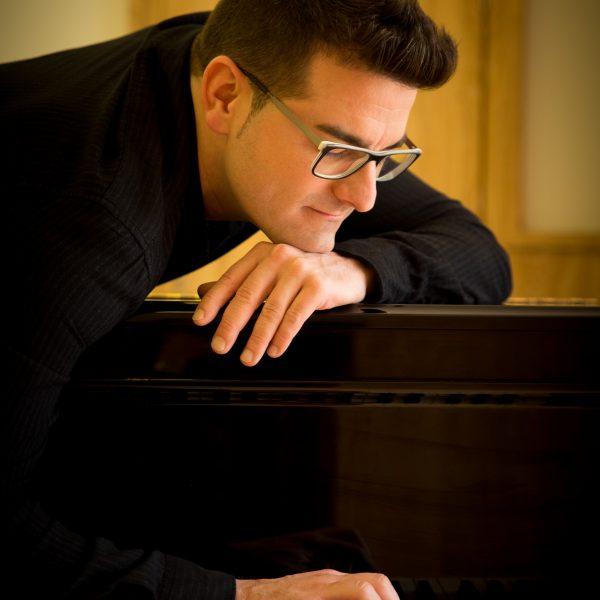"""Classe on-line """"De Bach a Bruno Mars"""" a càrrec de Luis González"""