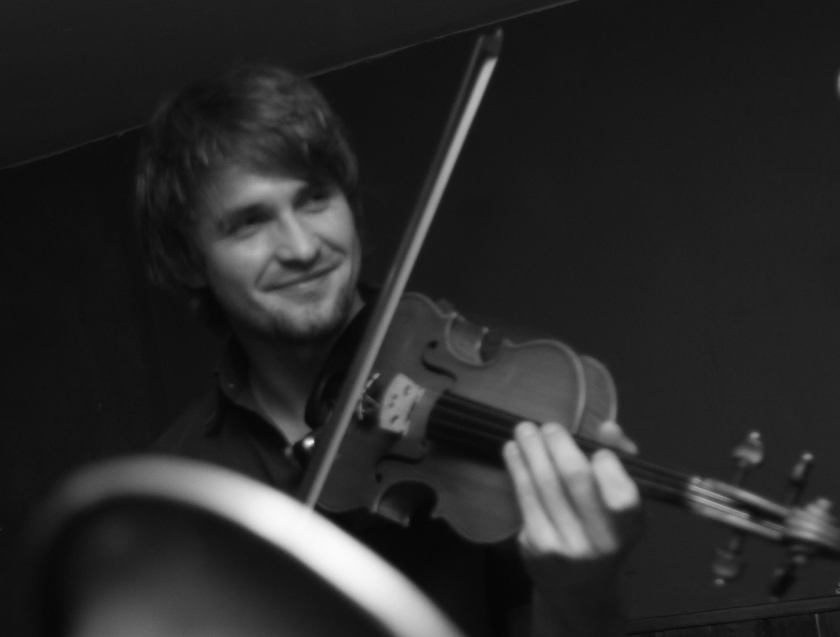 L'EMM Pau Casals del Vendrell necessita professor/a de violí per una substitució d'1 mes