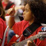 L'Escola Municipal de Música de Bellpuigbusca professor/a deguitarra