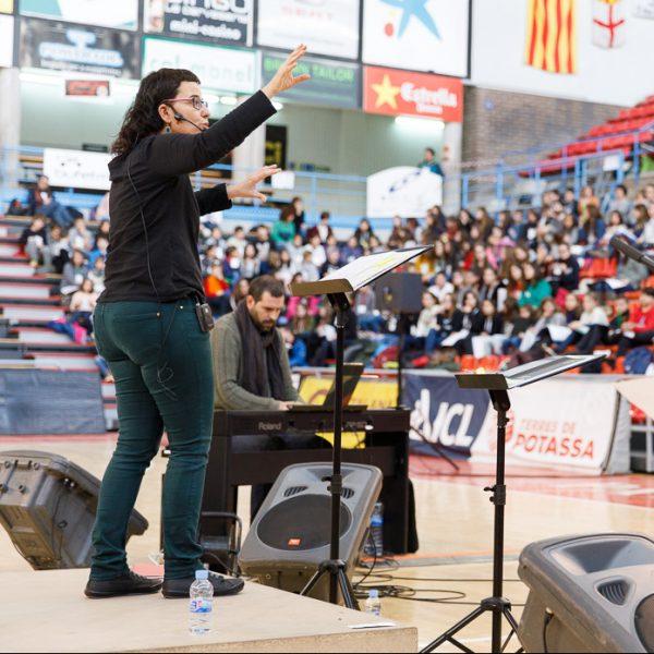 L'Escola de Música de Sant Pere de Ribes està buscant professor/a de cant